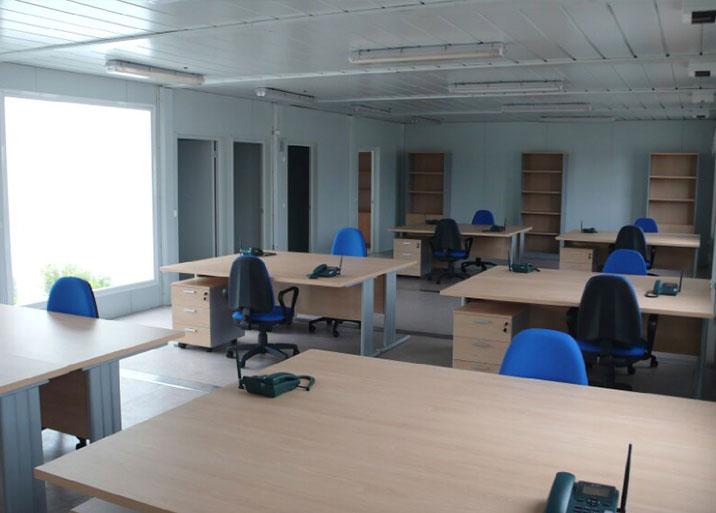 Fabricación e instalación de módulos para oficinas